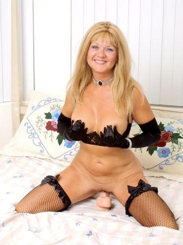 granny gros seins lingerie solo